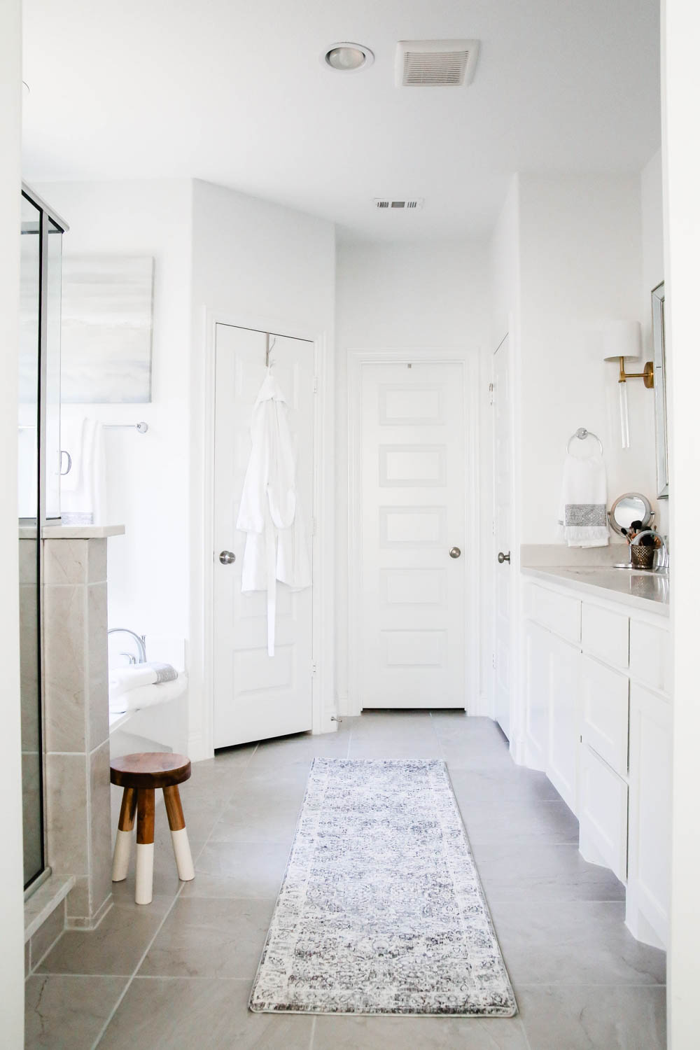Use a runner rather than bathmats to add warmth to a space. #AtHomeStores #AtHomeFinds #ABlissfulNest #ad