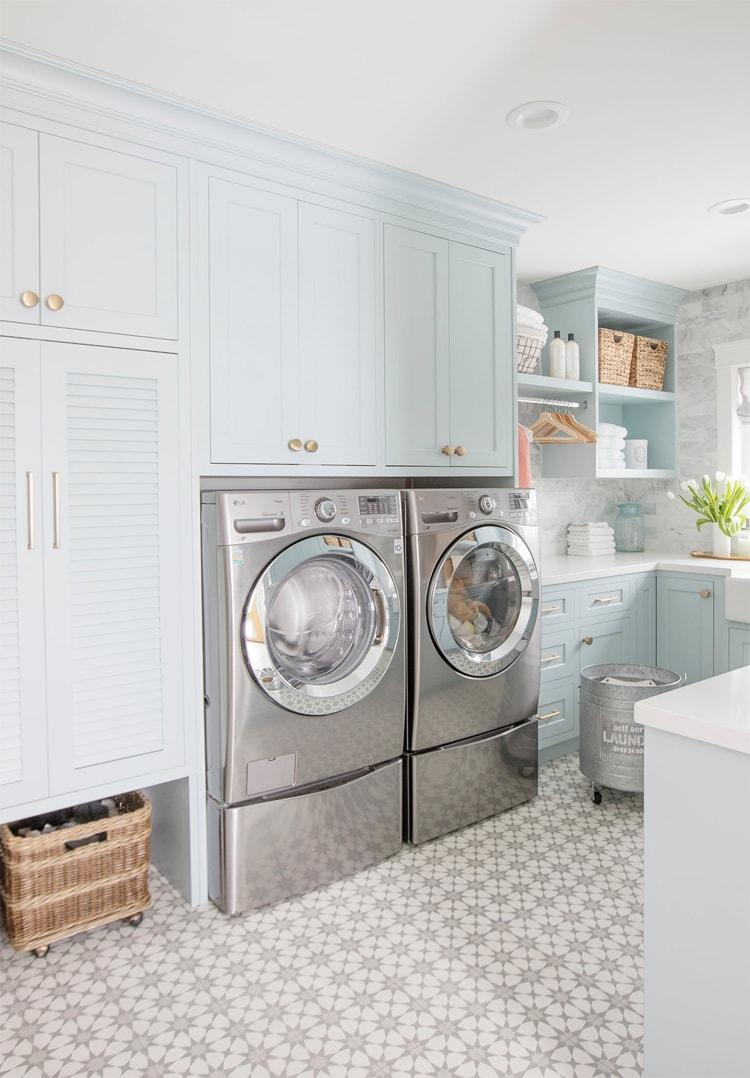 Jillian Harris' laundry room is SO stunning!