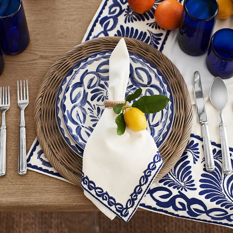 This place setting is too pretty! Perfect for spring AND summer. #ABlissfulNest