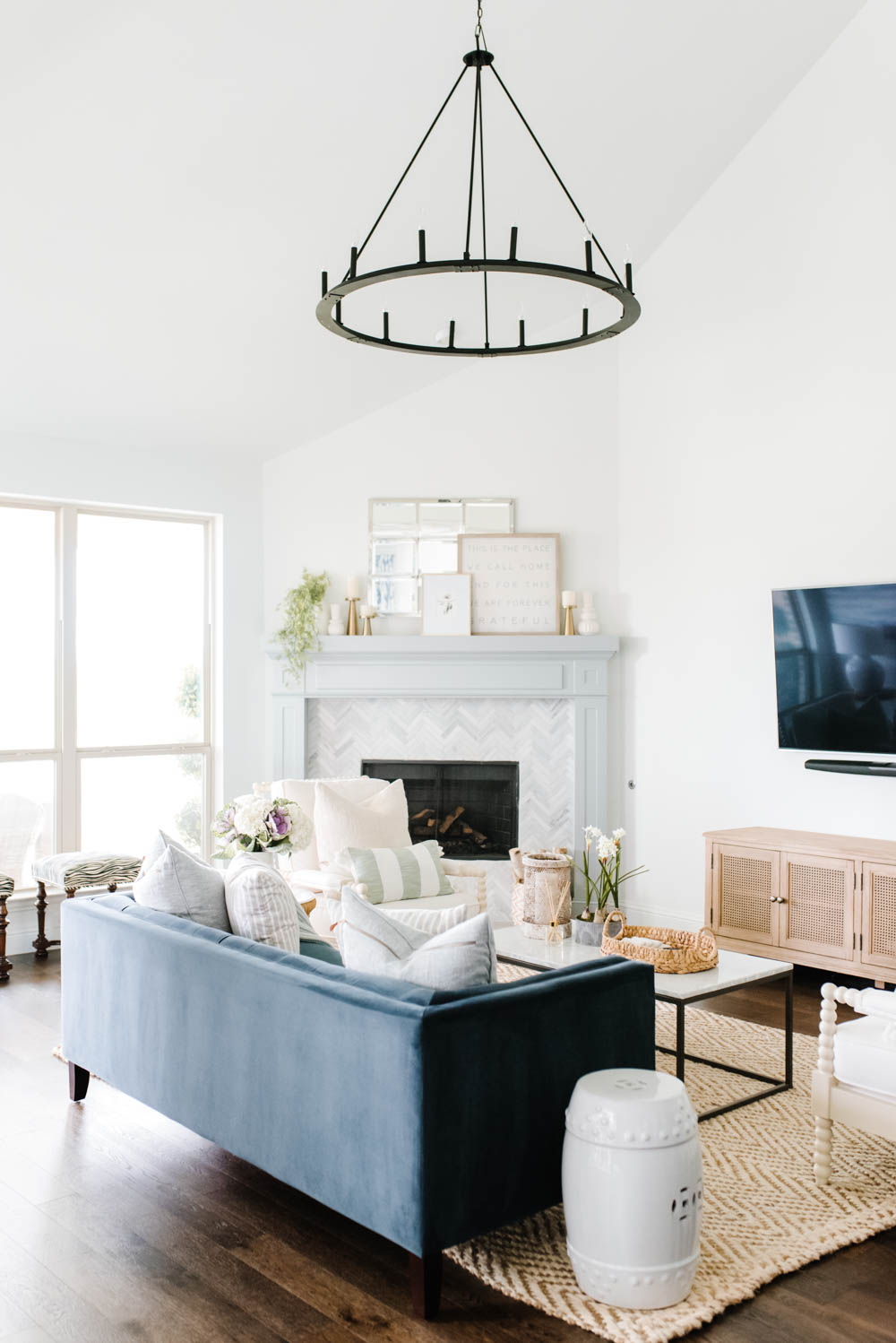 Update your home with these simple tips that are affordable! #ABlissfulNrest #livingroomdecor #livingroomdesign
