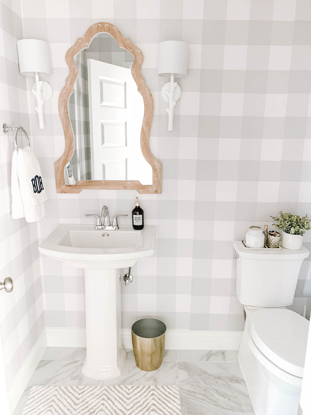 This is such an easy way to update a room! #ABlissfulNest #bathroom #bathroomdesign