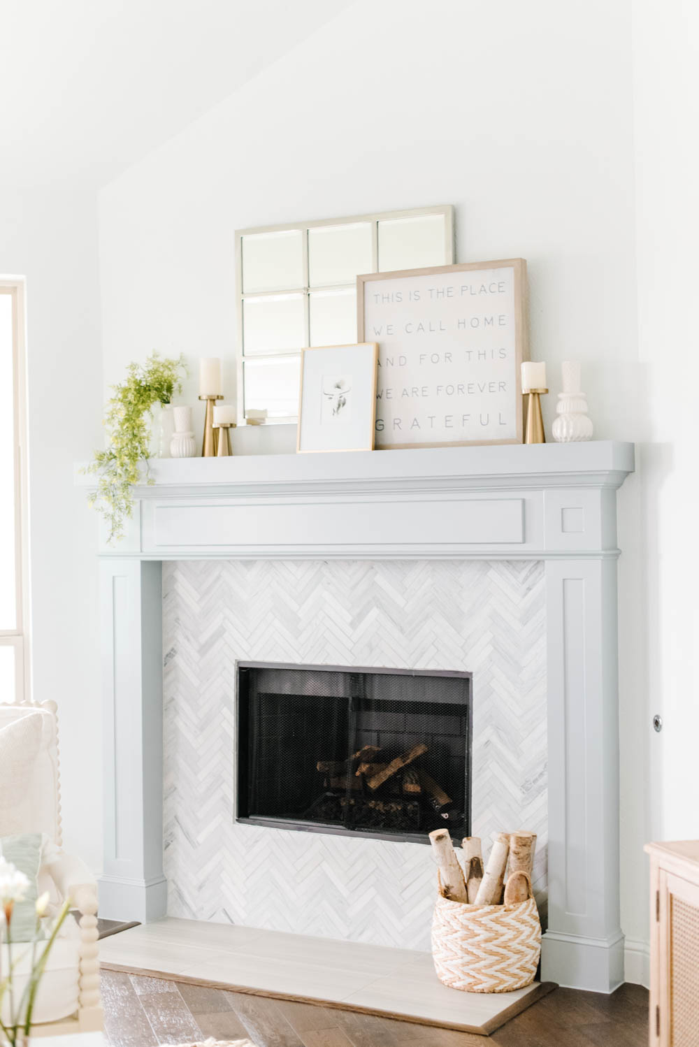 Update a space with this simple and affordable tip! #ABlissfulNest #designtip #fireplace