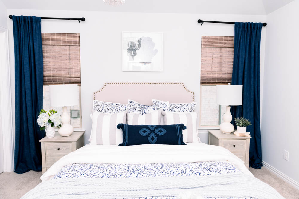 Create a cozy warm layered bed with this step by step guide of everything you need. #ABlissfulNest #bedroom #bedroomideas