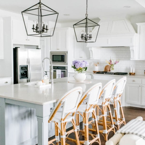 Sharing the BEST lantern pendant lights for every design style that are affordable and stylish! Whether for your entryway, kitchen or breakfast room, these lantern style lights are perfect for farmhouse style, coastal chic, boho eclectic, and so many more design styles! #ABlissfulNest #pendantlights #lighting #lightingideas