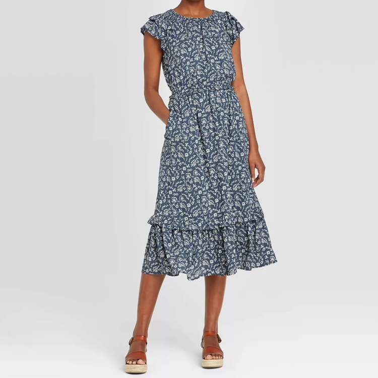 This gorgeous floral midi dress is so perfect for the spring and summer! #ABlissfulNest