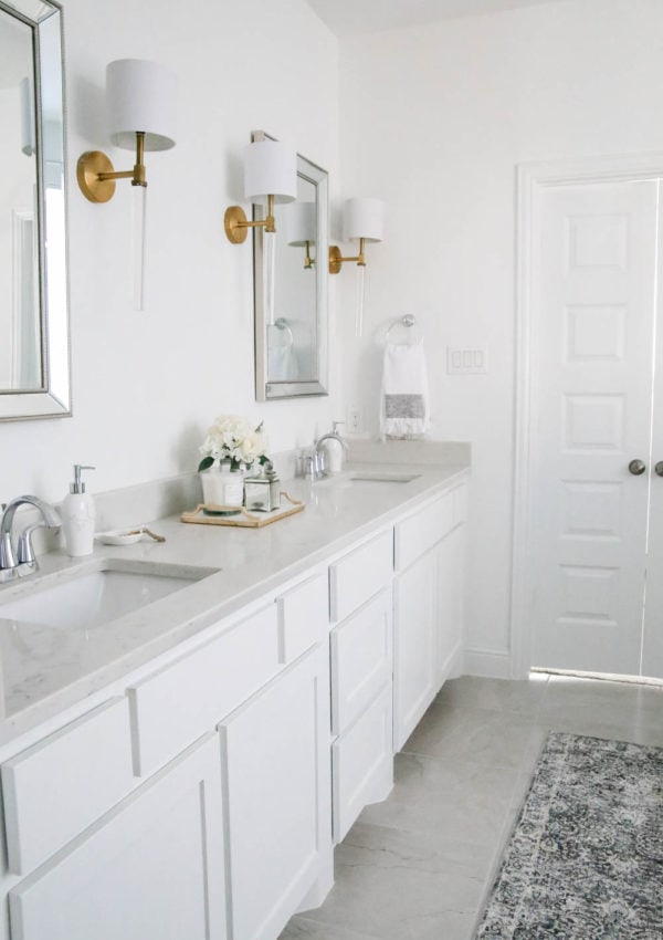 Best White Paint Colors For Interiors + How To Decorate With White