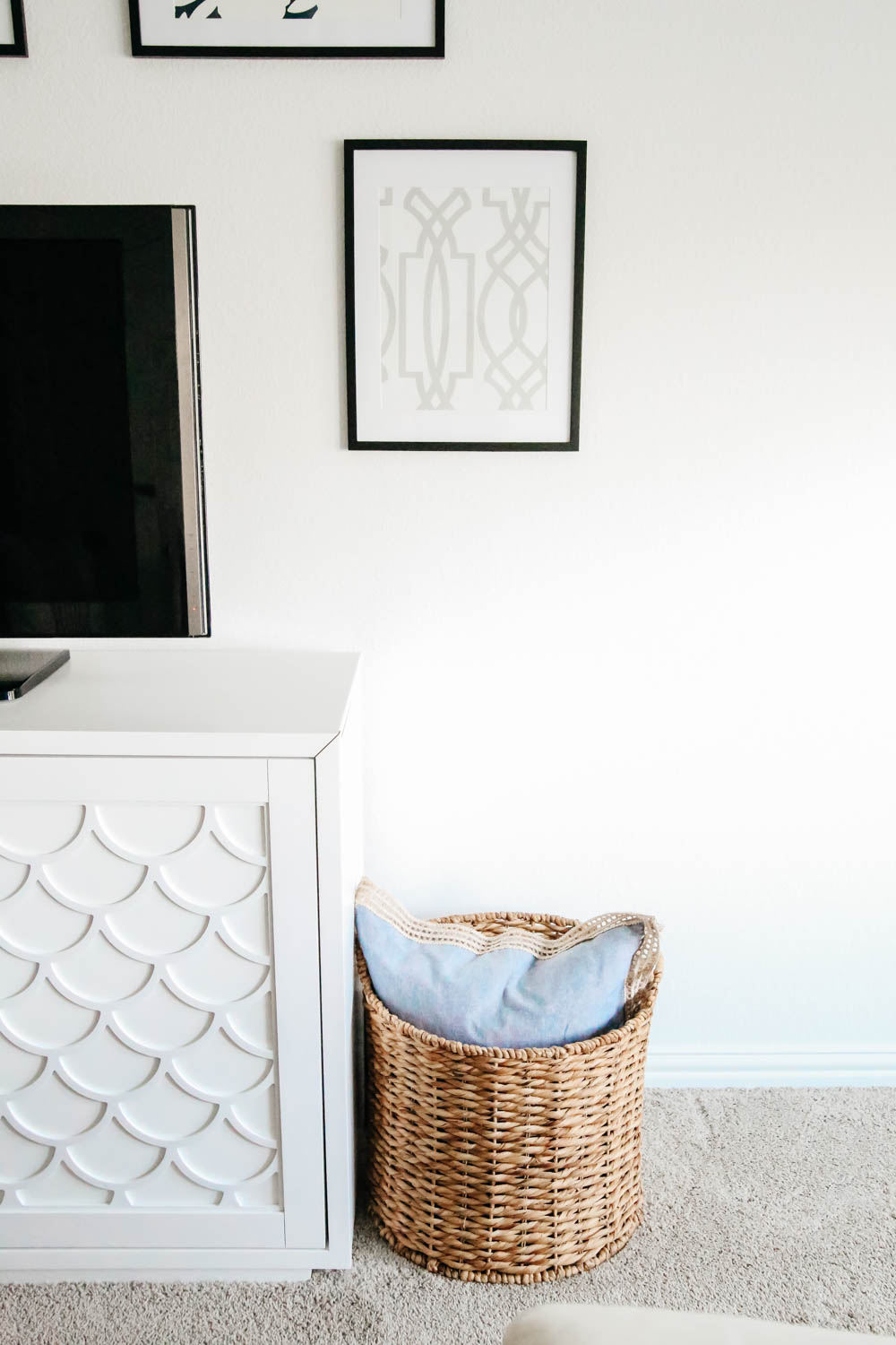basket with pillows. game room decor ideas. family room flex space. #ABlissfulNest #gameroom #mediaroom