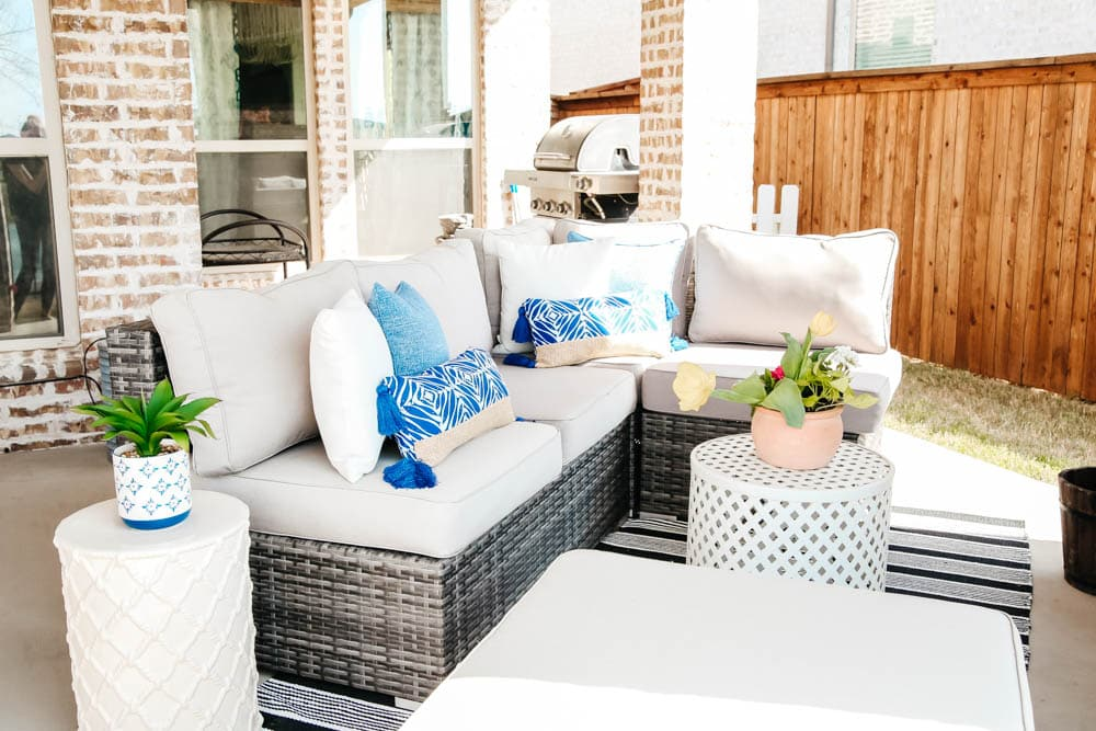 Patio decor ideas on a budget, #ABlissfulNest #patio #outdoor #backyard