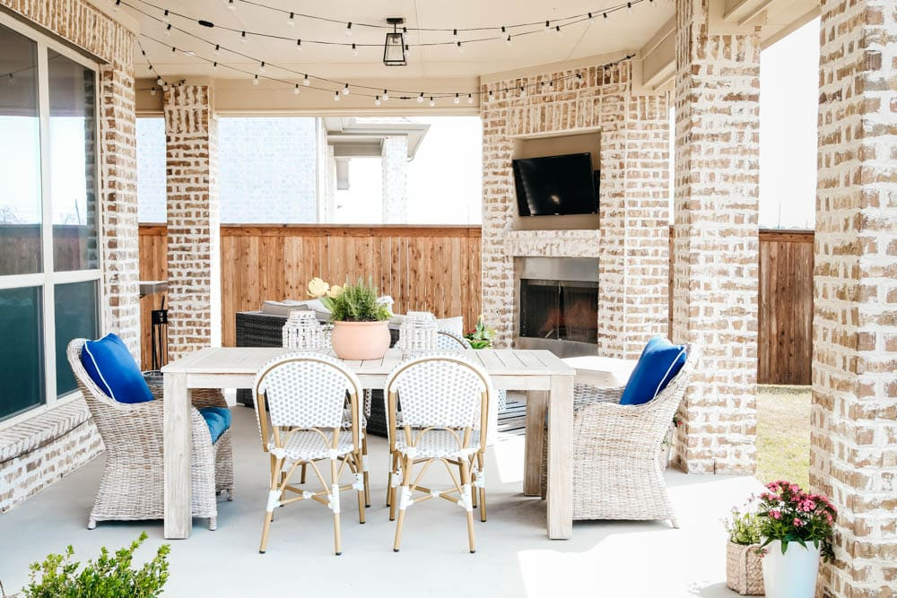 Affordable design tips to help decorate your patio for spring. #ABlissfulNest #patio #outdoor #backyard