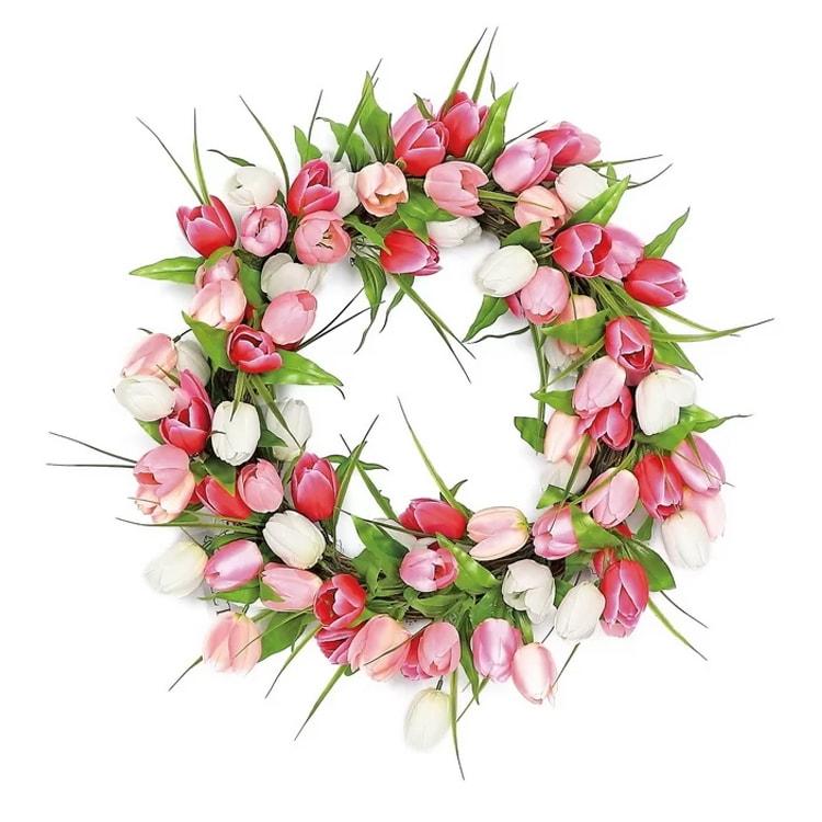 The prettiest tulip wreath for spring! #ABlissfulNest