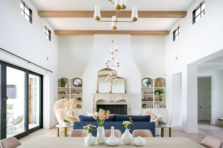 This gorgeous living room by Tracy Lynn Studio is a dream!