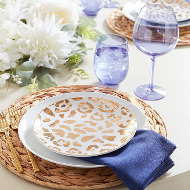 How fun are these leopard printed salad plates? Perfect for your tablescape! #ABlissfulNest