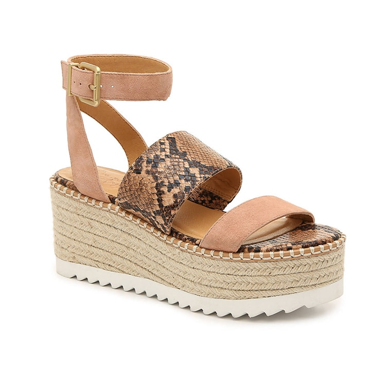 These snakeskin wedge sandals are perfect for summer! #ABlissfulNest