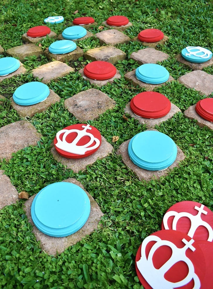 What a fun oversized checkers game for outside!