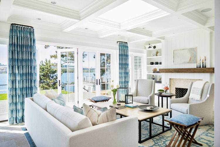 This gorgeous living room by Kelly Nutt Designs is so beautiful!
