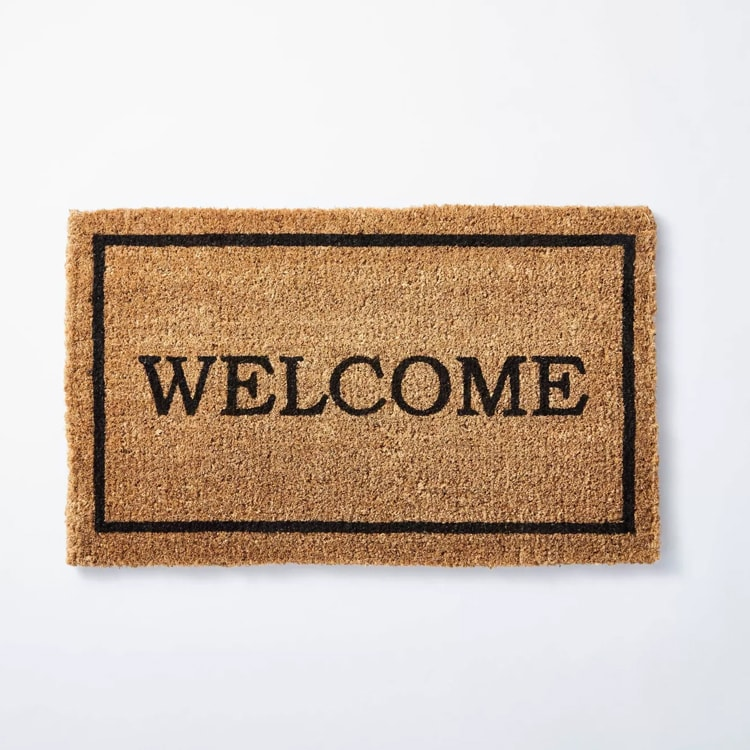 This Welcome door mat is perfect for your front porch! #ABlissfulNest