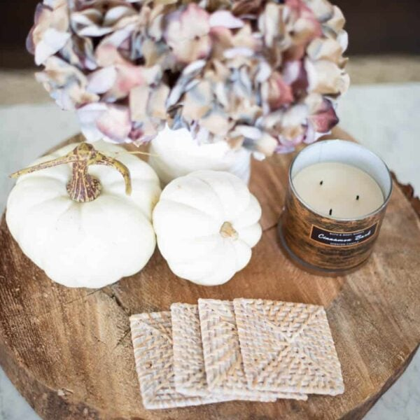 A collection of the yummiest smelling candles to buy for the fall season. #ABlissfulNest #falldecor #fallideas
