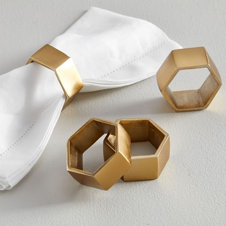These gold geometric napkin rings are a must for your tablescape this season! #ABlissfulNest