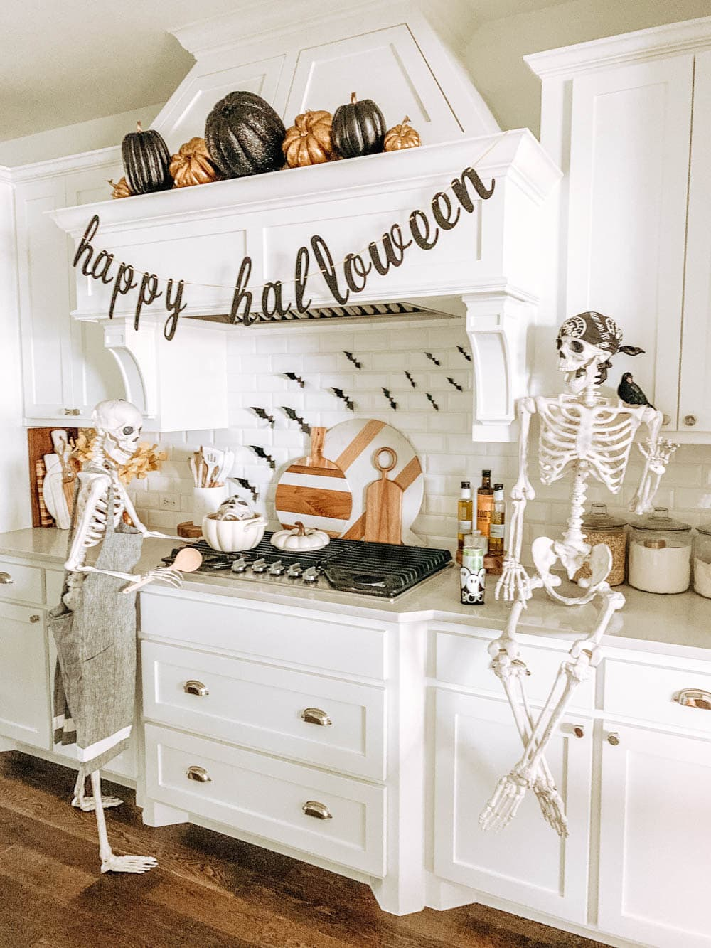 Last Minute Fun and Spooky Halloween Decor