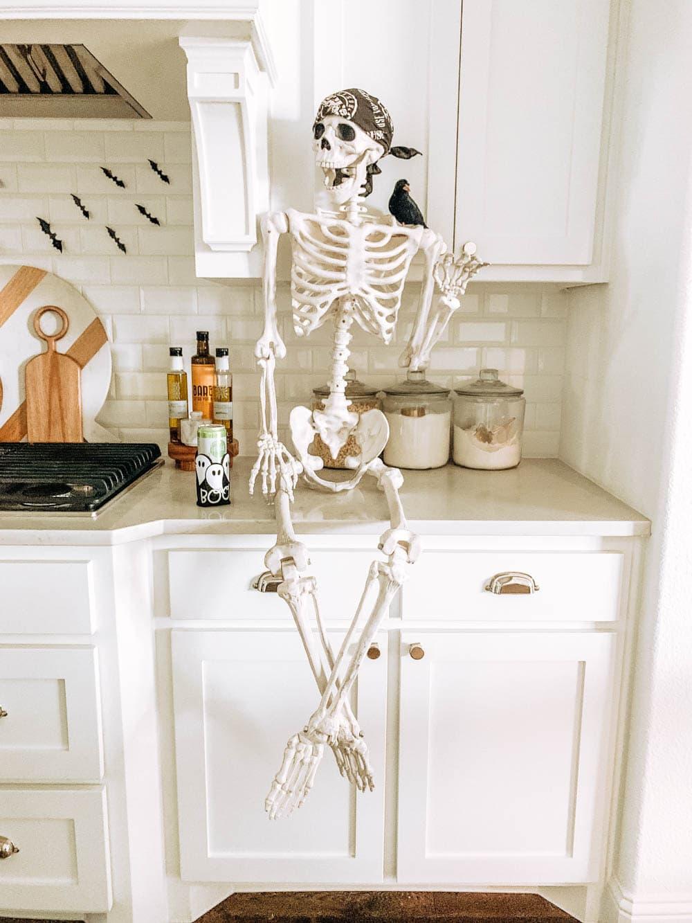 Posable Skeleton ideas. Halloween decorating. #ABlissfulNest #halloweendecor