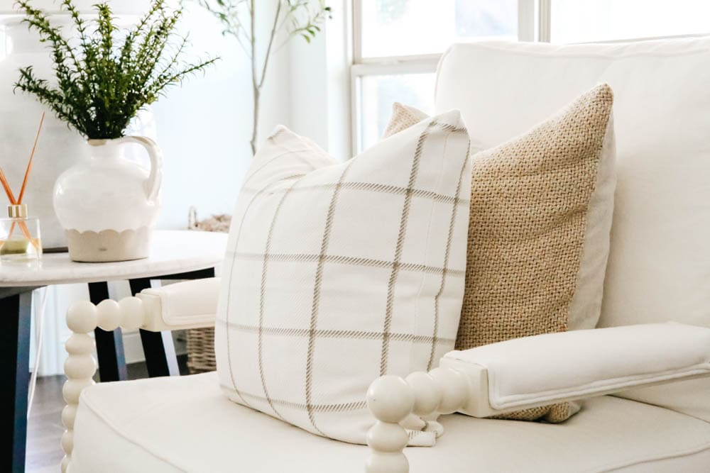 Soft texture and pattern, pillow styling, fall pillows, fall decor. #ABlissfulNest #falldecor
