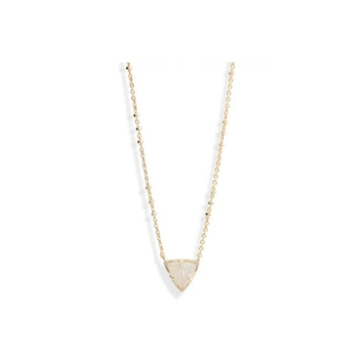 This druzy pendant necklace is so gorgeous and the perfect gift! #ABlissfulNest