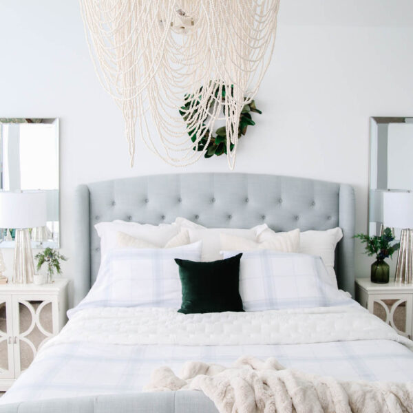 Simple tips to get your bedroom holiday ready. #ABlissfulNest #bedroomdecor #bedroomideas
