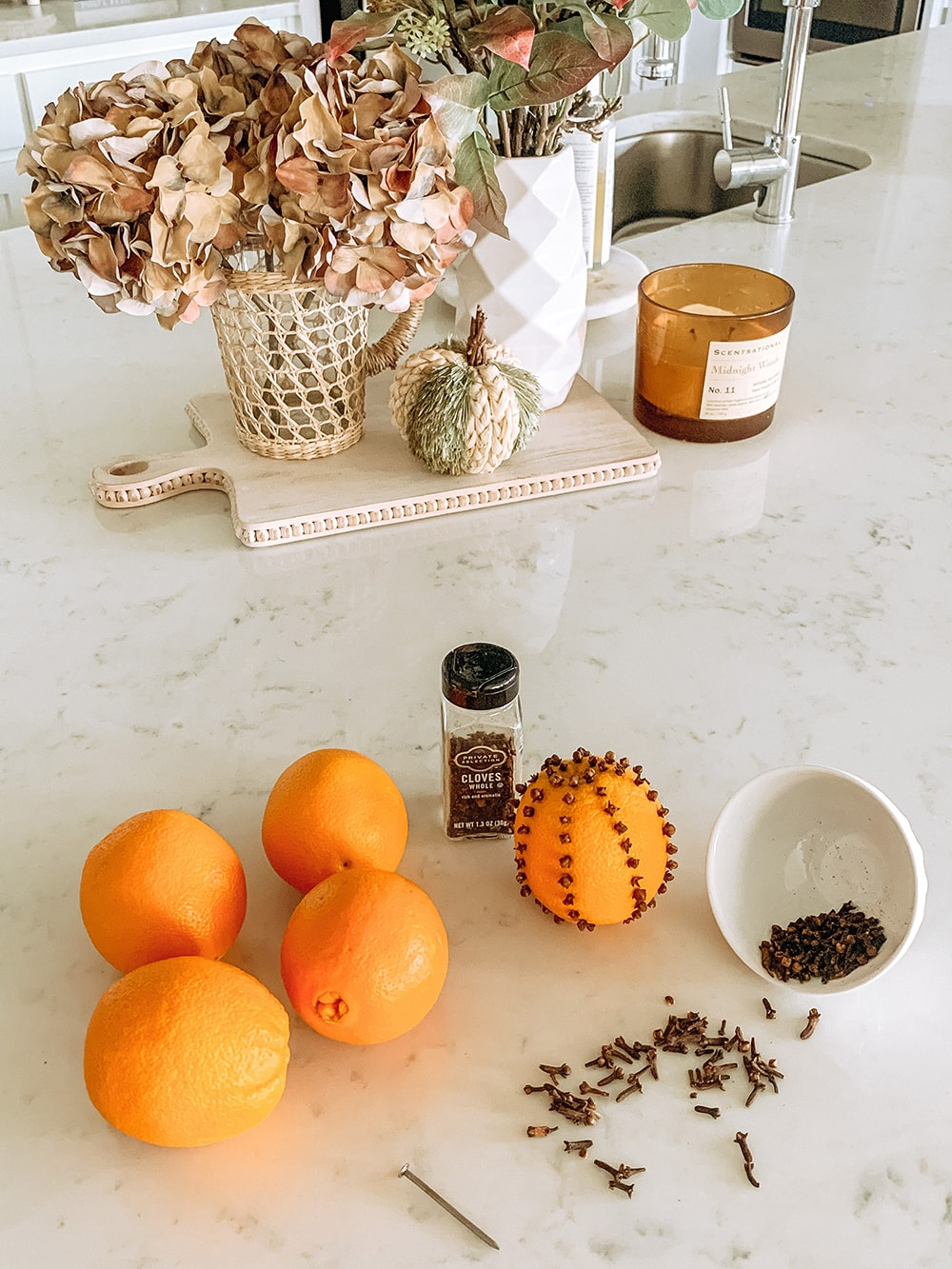 Such an easy and delicious smelling orange clove pomander to add to your fall tables and to decorate with. #ABlissfulNest #fall #appetizer