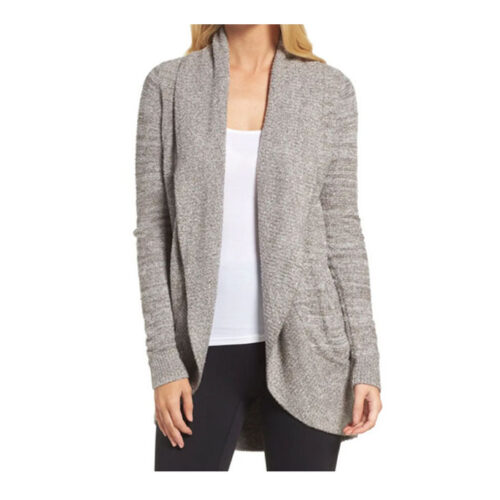 This Barefoot Dreams cardigan is one of the best gifts to give! #ABlissfulNest