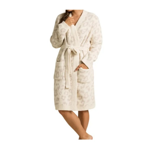 This Barefoot Dreams robe is such a luxurious gift! #ABlissfulNest