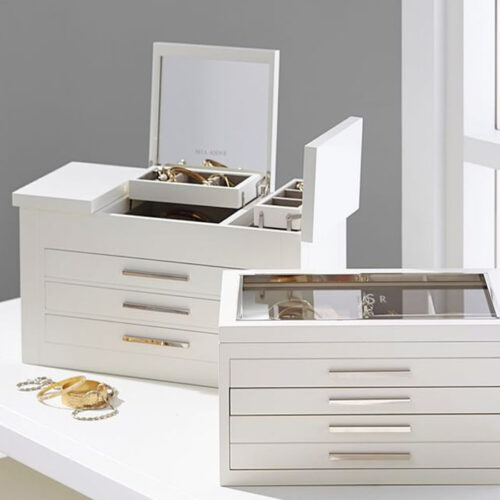 This jewelry box is such a great gift idea that everyone could use! #ABlissfulNest
