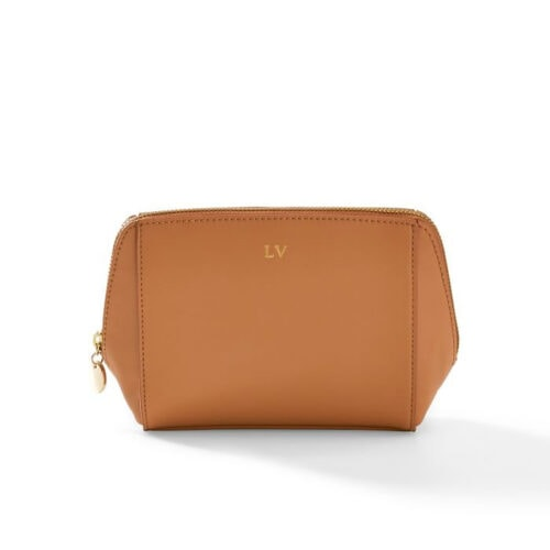 This vegan leather bag is such a good gift idea and it looks like it was super pricey, but it isn't! #ABlissfulNest