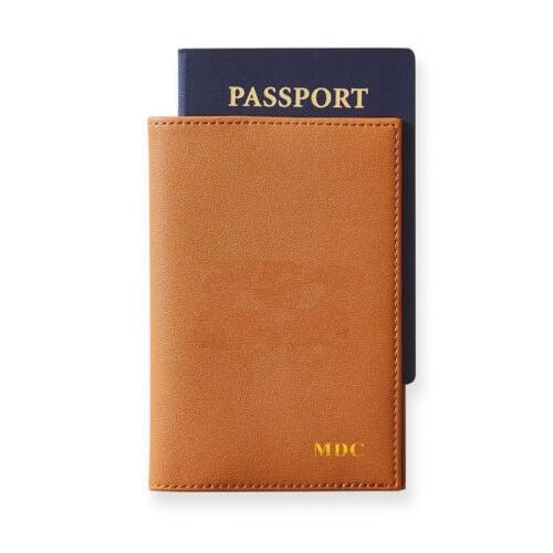 This monogrammed passport holder is such a great Christmas gift! #ABlissfulNest