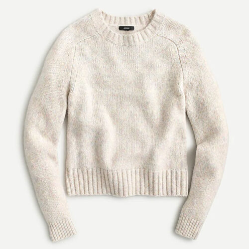 This crewneck sweater is a great, under $100 gift idea! #ABlissfulNest