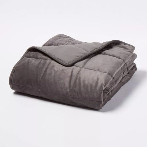 A weighted blanket is a great gift idea for anyone on your list! #ABlissfulNest