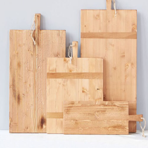 This reclaimed wood cheese board is a fun gift idea for the cook, the chef or anyone on your list! #ABlissfulNest