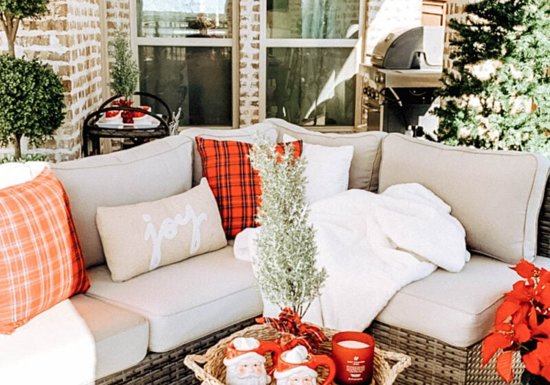 Easy and affordable holiday home decor ideas for any space. #ABlissfulNest #christmasdecor #christmas