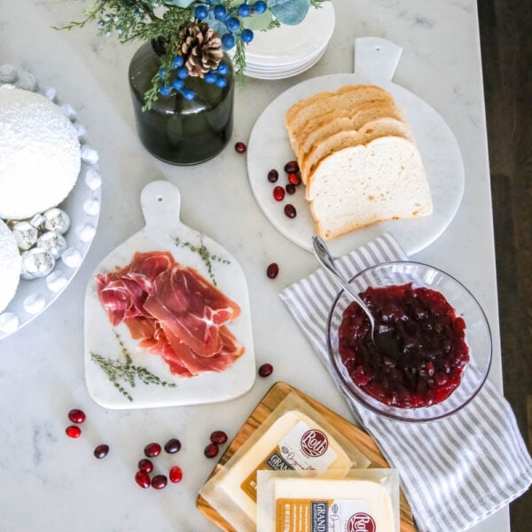 The yummiest grilled cheese recipe featuring my favorite cheese, Grand Cru by Roth Cheese. #ABlissfulNest #rothcheese #rothgrandcru #ad