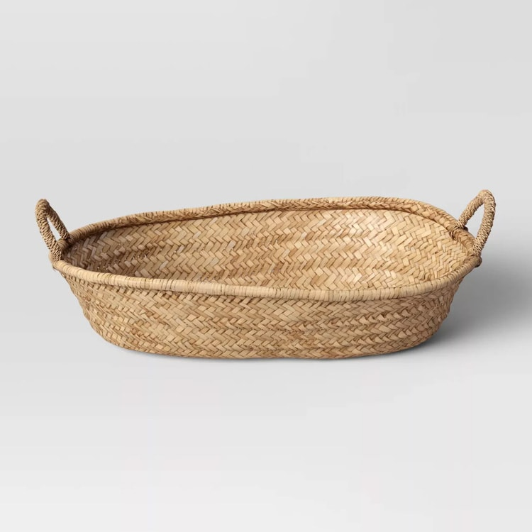 This decorative woven seagrass tray is such a fun home piece! #ABlissfulNest