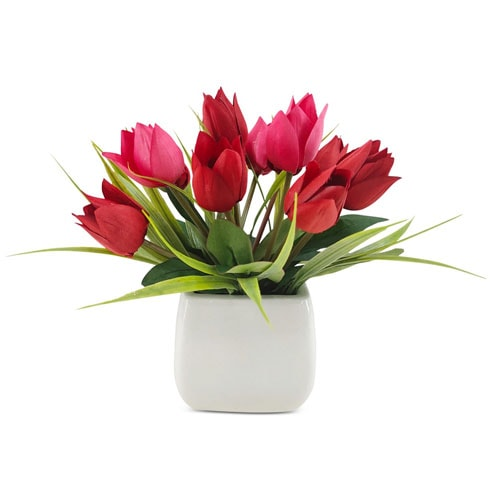 This artificial floral arrangement is a great Valentine's Day gift - it'll stay this beautiful forever! #ABlissfulNest