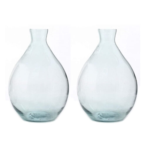 These blue clear glass vases are a perfect spring decor piece! #ABlissfulNest