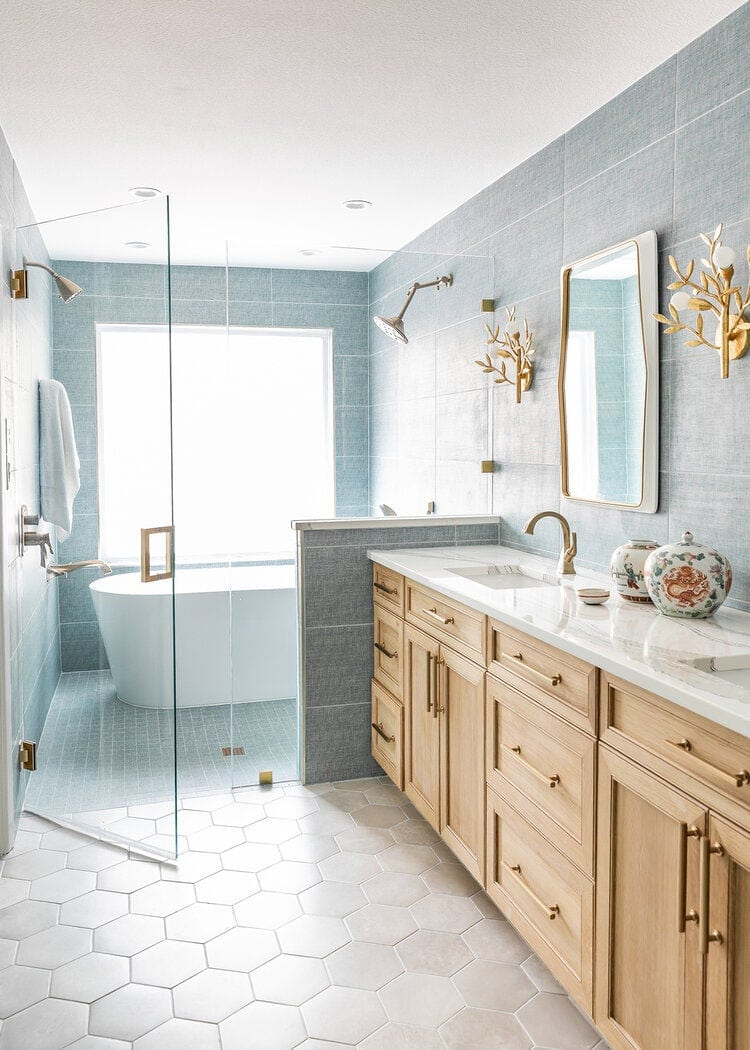 This bathroom design by Morrissey Home is sooo beautiful!