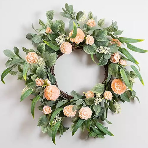This peach peony wreath is such a stunner for spring! #ABlissfulNest