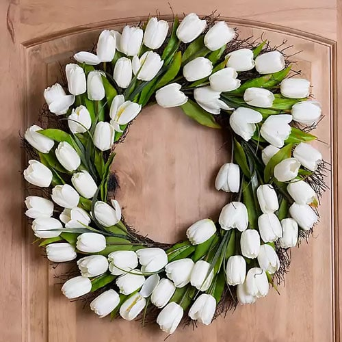 There's nothing more classic than a white tulip wreath for spring! #ABlissfulNest