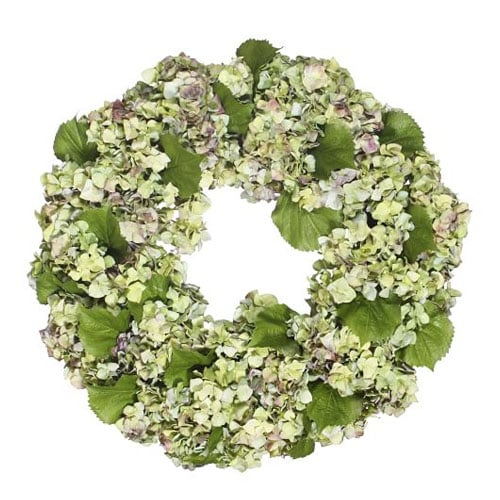 This faux hydrangea wreath is so classic and beautiful for spring! #ABlissfulNest
