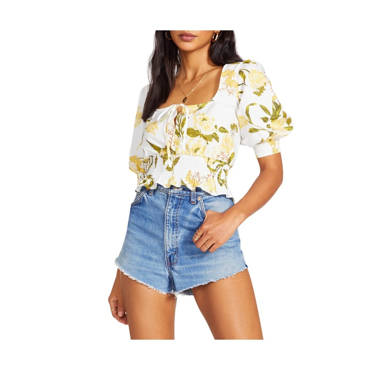 This floral smocked waist top is a must have this spring and summer! #ABlissfulNest