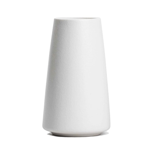 This white ceramic vase is under $20 and it's a perfect gift idea this Mother's Day! #ABlissfulNest