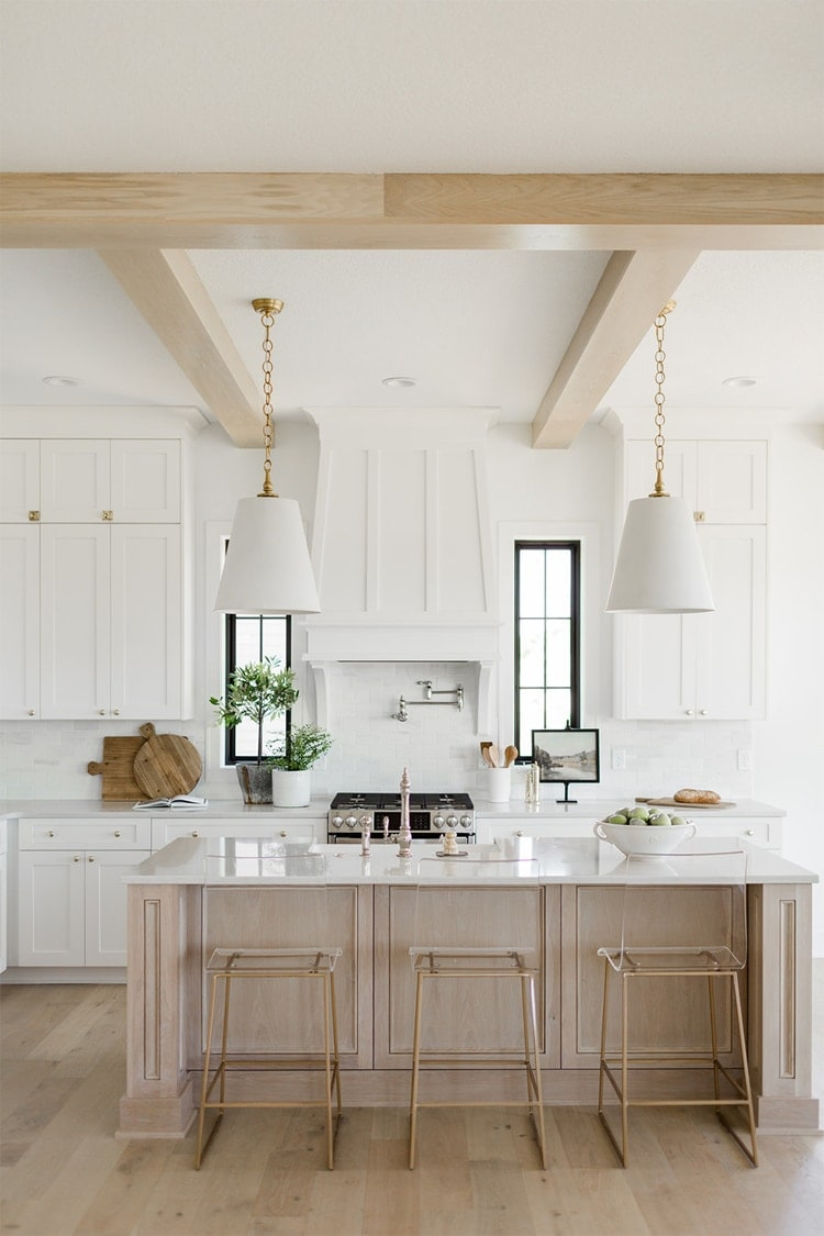 This gorgeous kitchen design by Oakstone Homes is incredible!