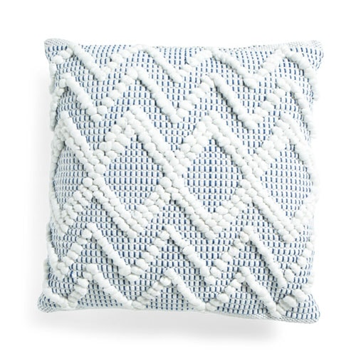 This blue textured throw pillow is so pretty for your patio this spring and summer! #ABlissfulNest