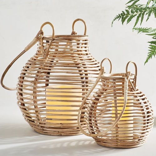 These rattan lanterns are SO pretty for your outdoor patio! #ABlissfulNest
